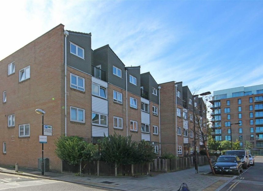 Properties to let in Chatham Street - SE17 1NY view1