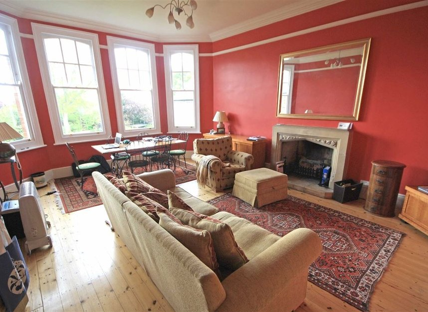 Properties to let in Corfton Road - W5 2HS view1