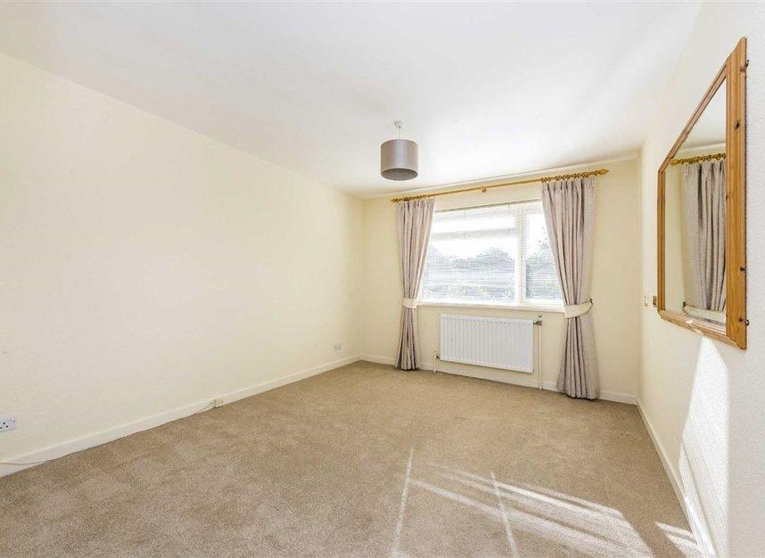 Properties to let in Courtlands - TW10 5BB view4