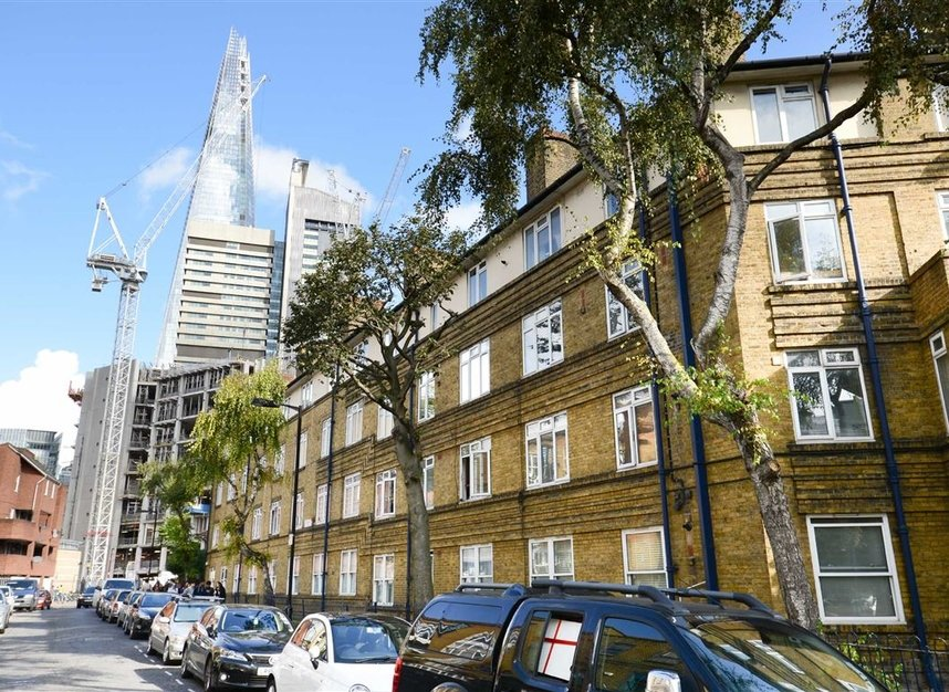 Properties to let in Crosby Row - SE1 3PT view1