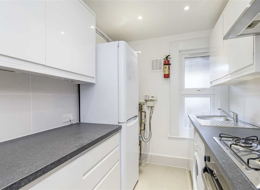 Properties to let in Croxley Road - W9 3HL view3