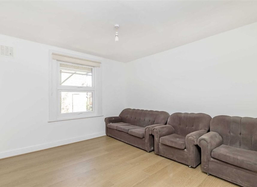 Properties to let in Croxley Road - W9 3HL view2