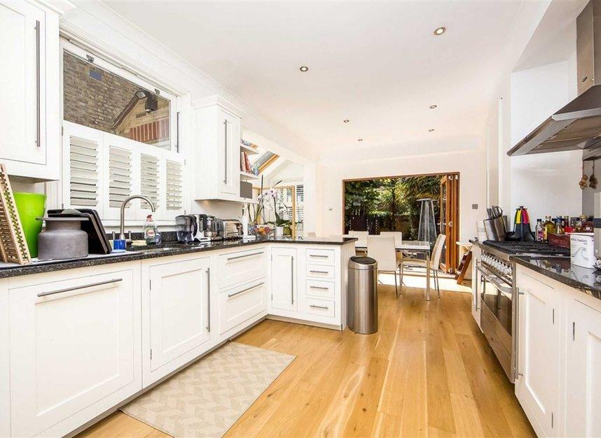 Properties to let in Defoe Avenue - TW9 4DS view7