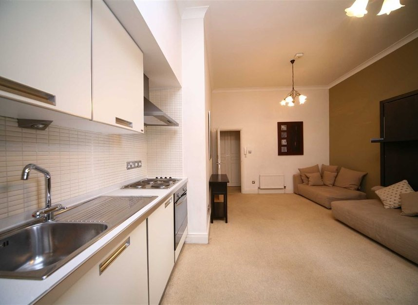 Properties to let in Egerton Gardens - SW3 2DD view4