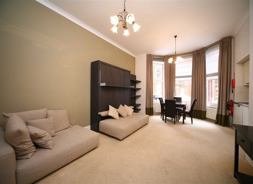 Properties to let in Egerton Gardens - SW3 2DD view2