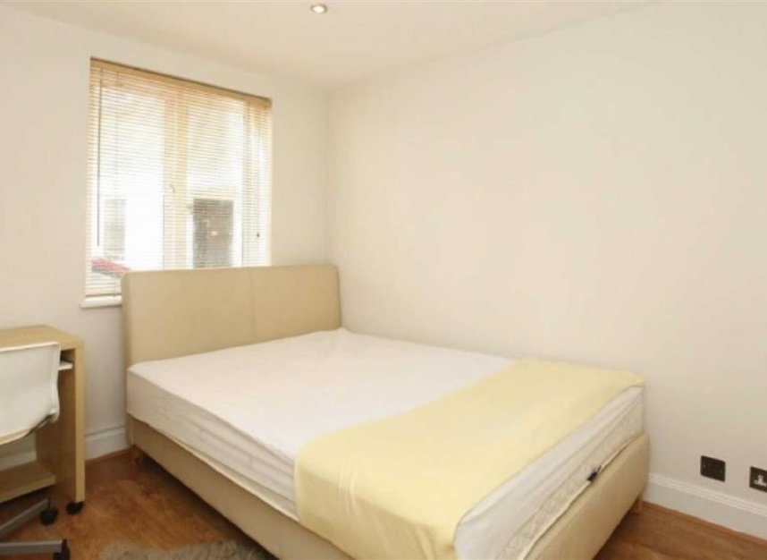 Properties to let in Eliot Mews - NW8 9ED view5