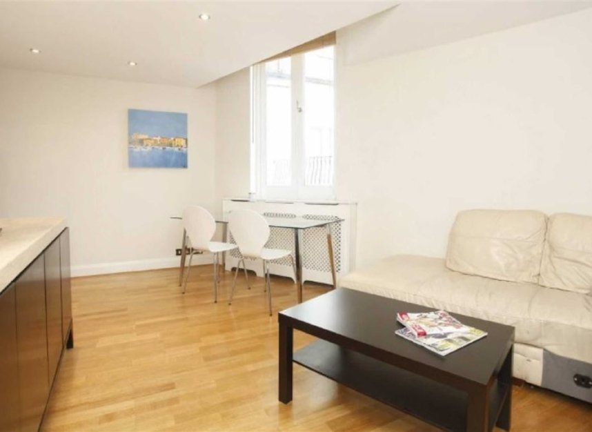 Properties to let in Eliot Mews - NW8 9ED view1
