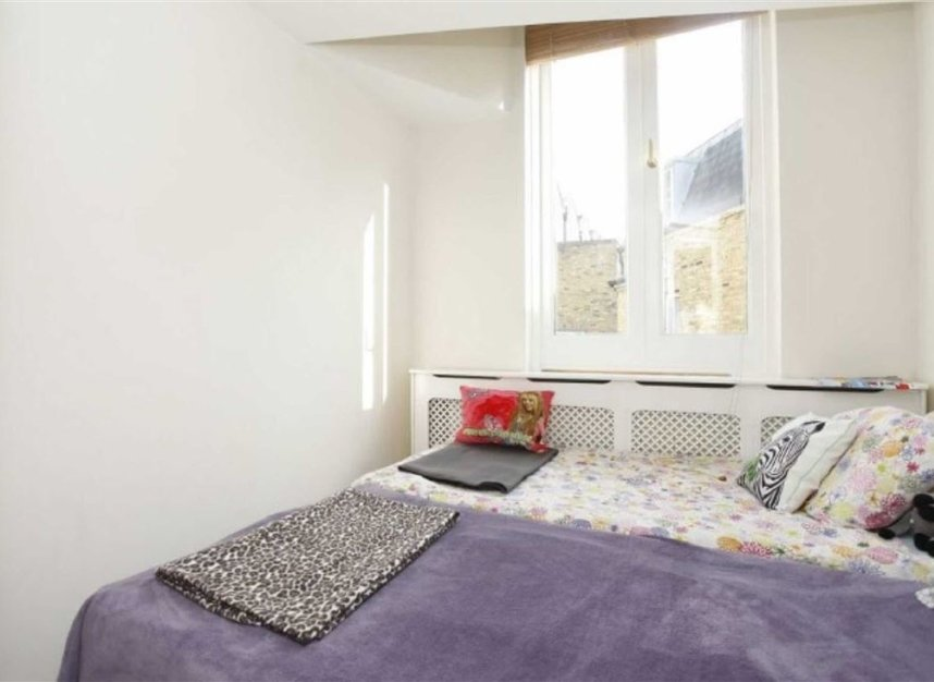 Properties to let in Eliot Mews - NW8 9ED view6