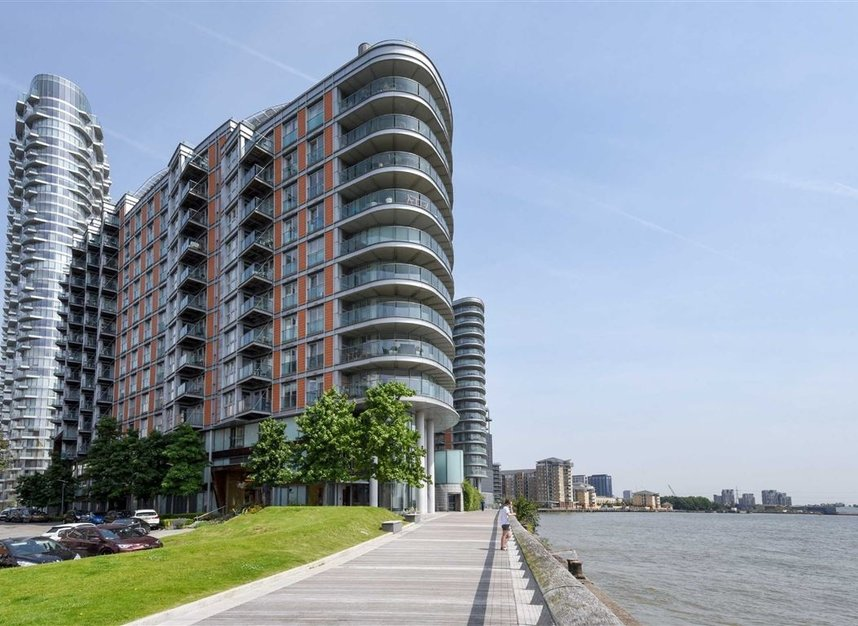 Properties to let in Fairmont Avenue - E14 9PB view1