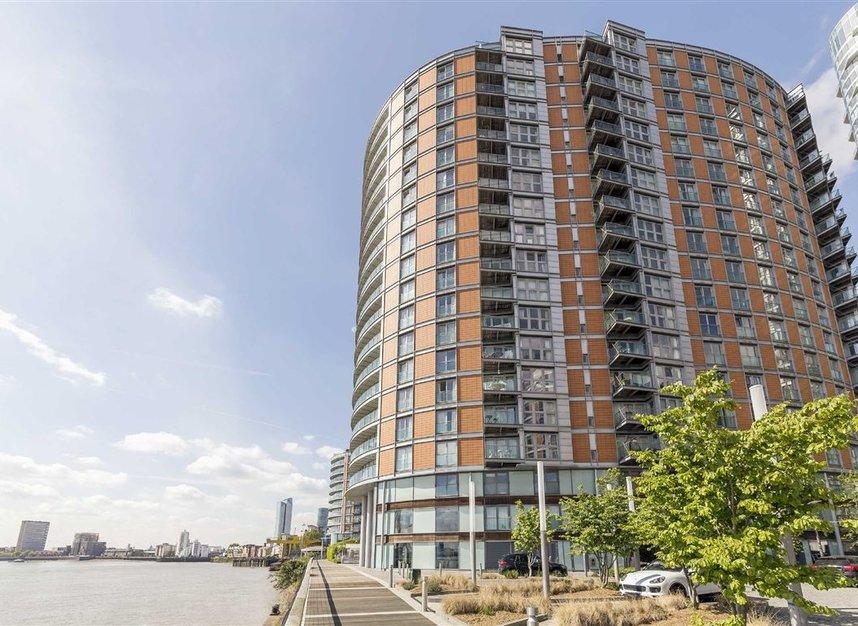 Properties to let in Fairmont Avenue - E14 9QJ view1