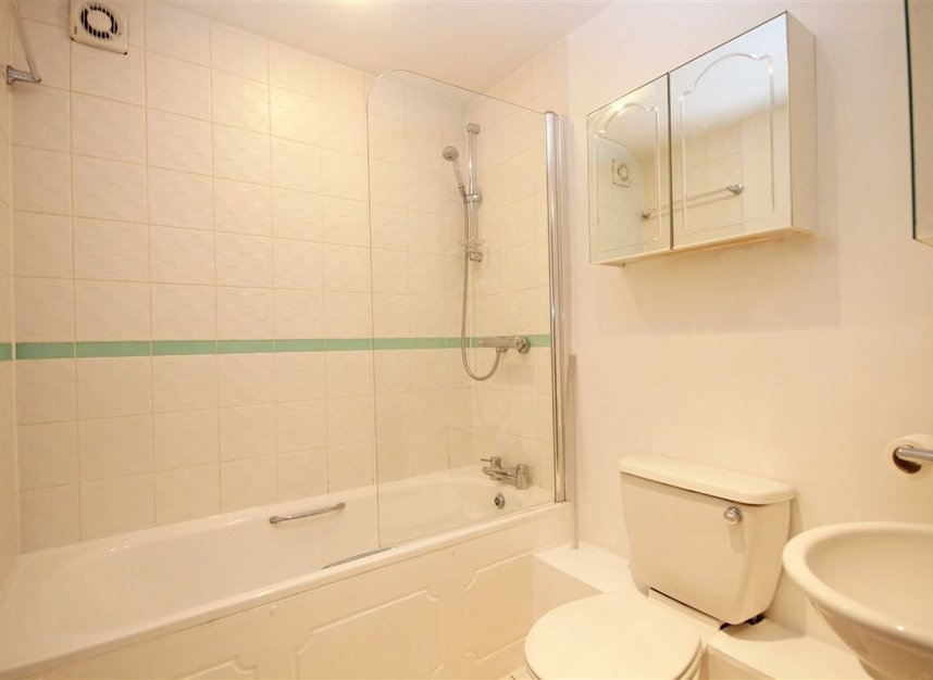 Properties to let in Fulham High Street - SW6 3JH view5
