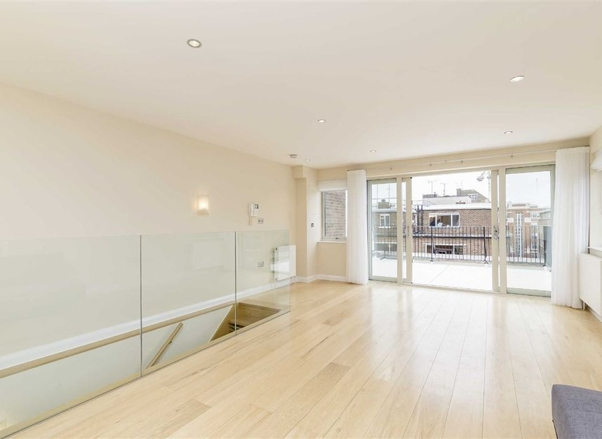 Properties to let in Great Portland Street - W1W 7JZ view1