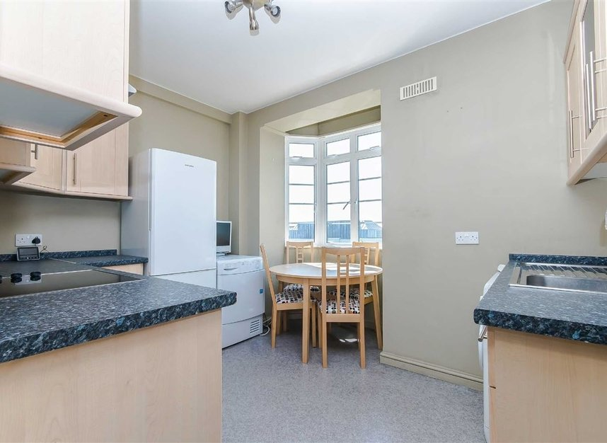 Properties to let in Hammersmith Road - W6 7JZ view2