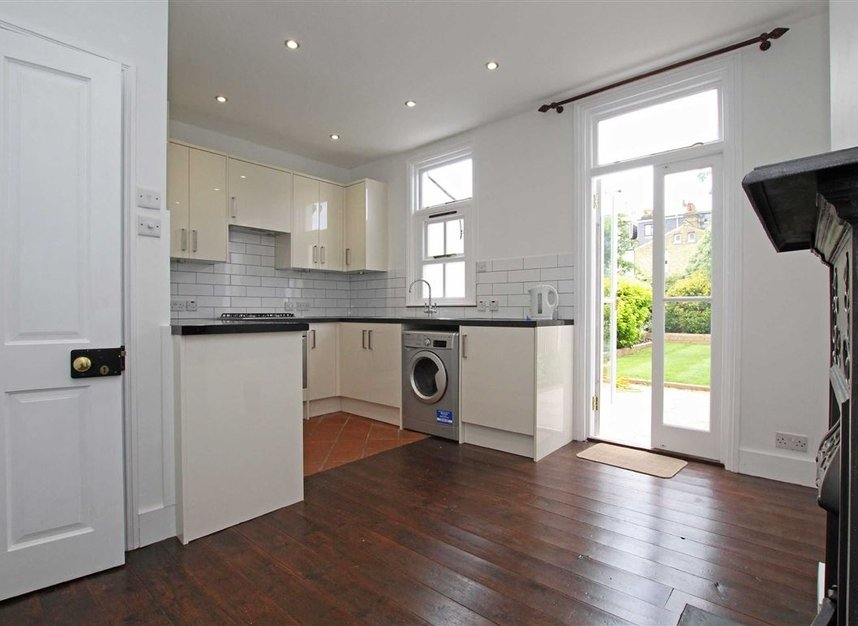 Properties to let in Hardy Road - SW19 1JB view3