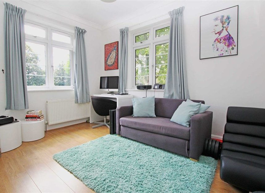 Properties to let in Harvard Road - W4 4EE view4