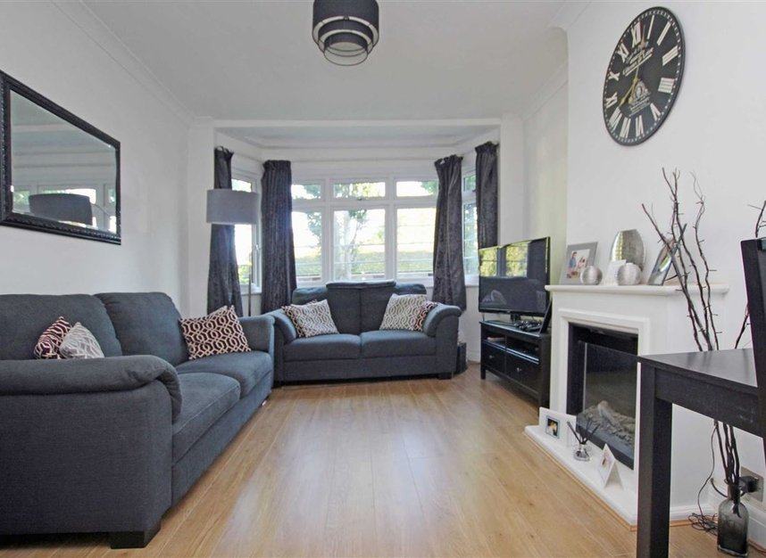 Properties to let in Harvard Road - W4 4EE view1