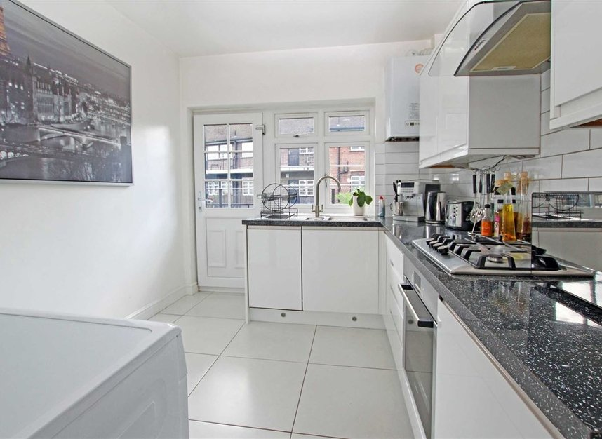 Properties to let in Harvard Road - W4 4EE view2