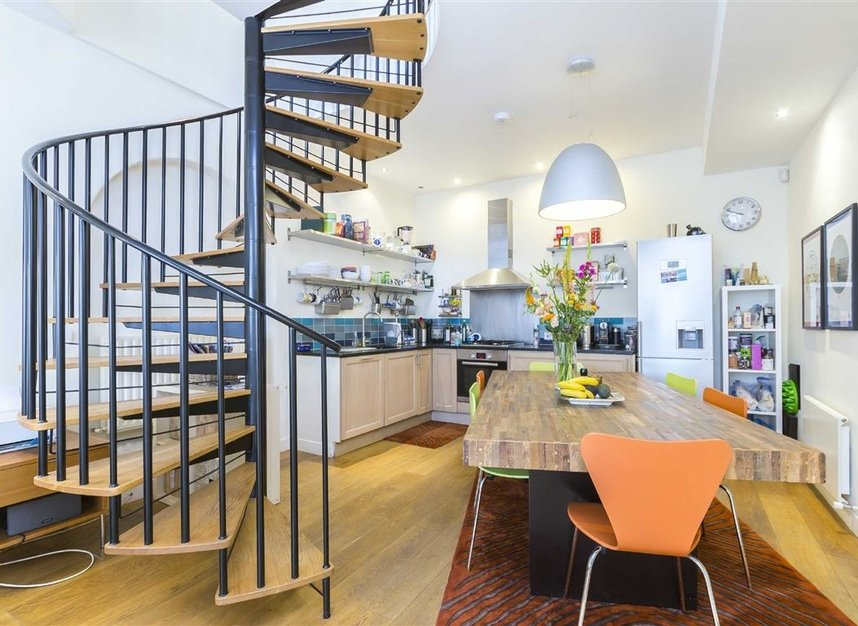Properties to let in Holland Park Mews - W11 3SU view3