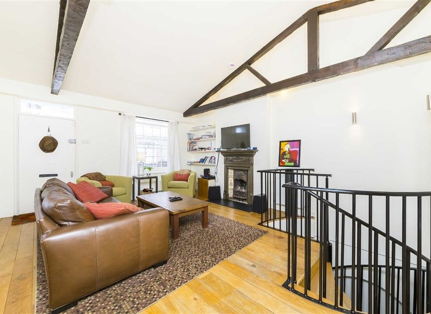 Properties to let in Holland Park Mews - W11 3SU view4