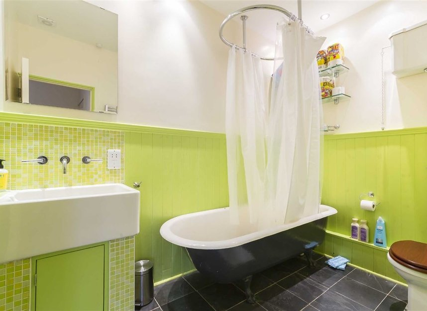 Properties to let in Holland Park Mews - W11 3SU view6