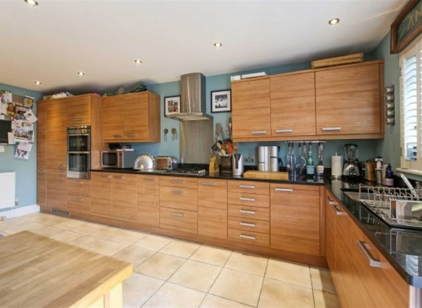 Properties To Let In Home Park Road