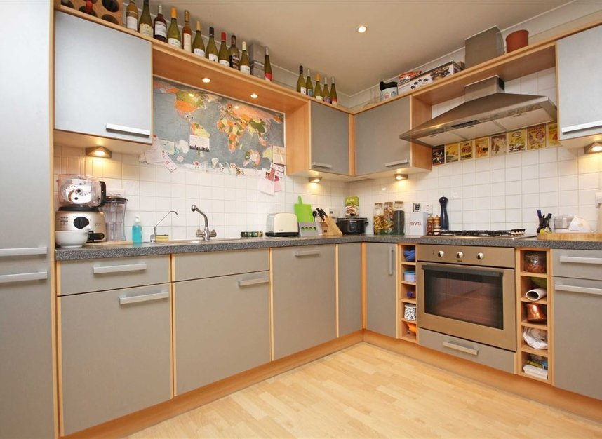 Properties to let in Keswick Road - SW15 2JL view4