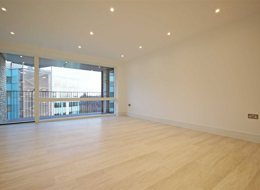 Properties to let in Lakeside Drive - NW10 7FZ view2