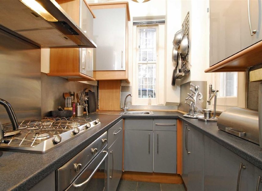 Properties to let in Lurline Gardens - SW11 4DH view3