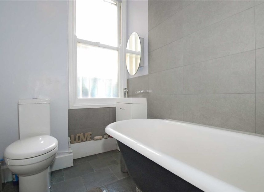 Properties to let in Lurline Gardens - SW11 4DH view2