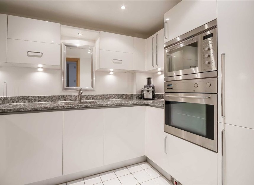 Properties to let in Matthew Parker Street - SW1H 9NE view4