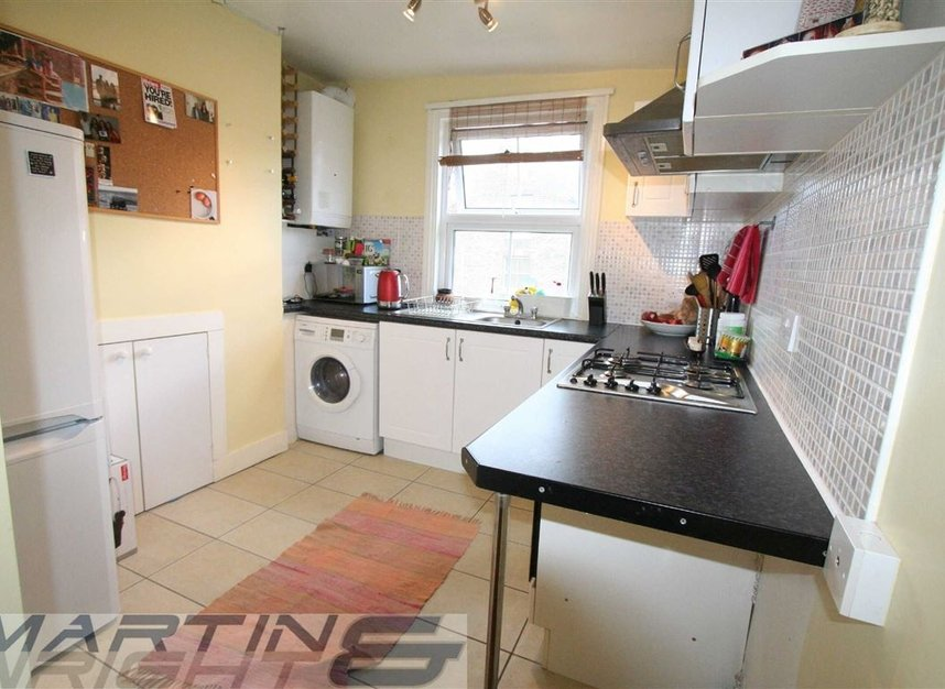 Properties to let in Messina Avenue - NW6 4LG view3