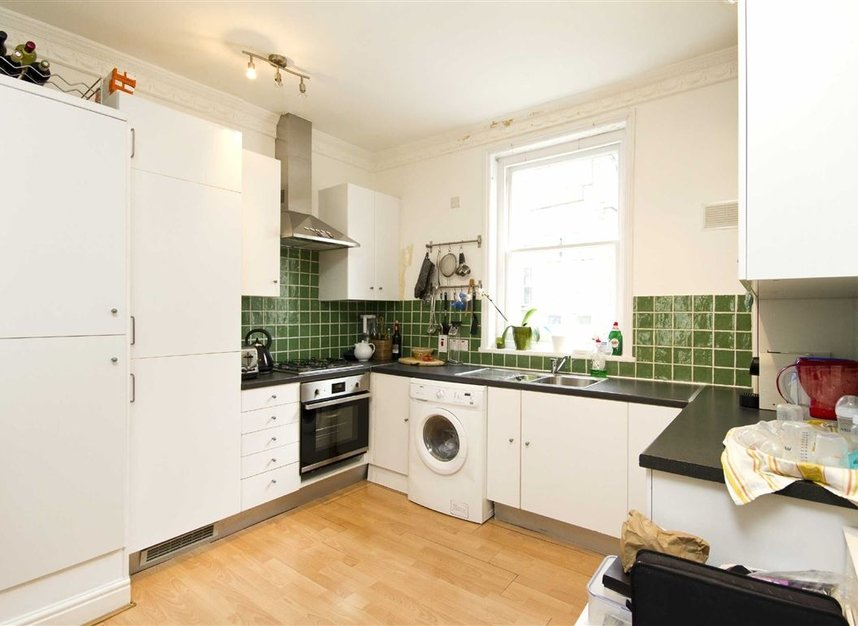 Properties to let in Moreton Place - SW1V 2NL view3