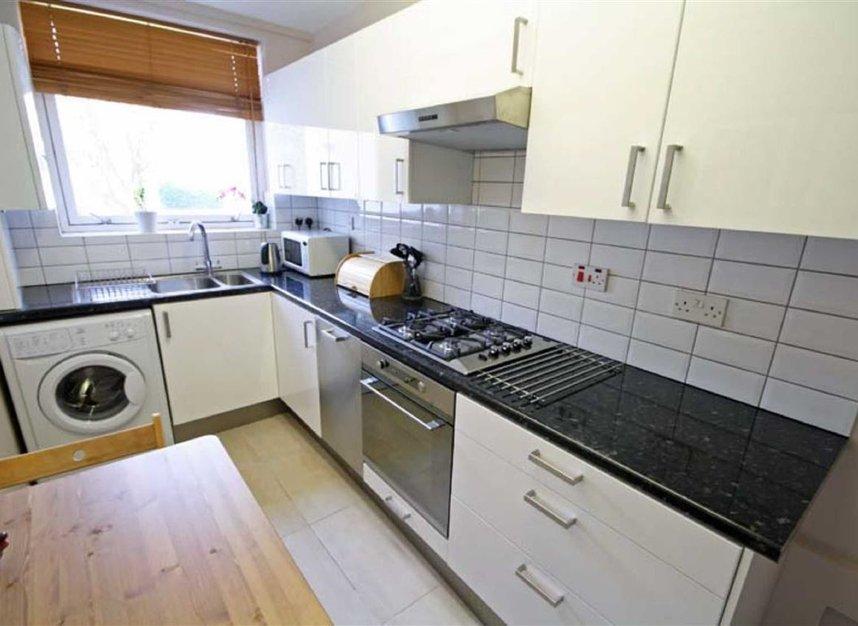 Properties to let in Mount Park Road - W5 2RU view2