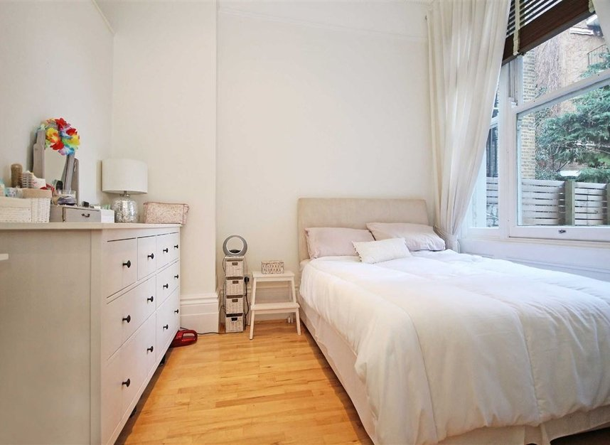 Properties to let in Nevern Square - SW5 9NN view6