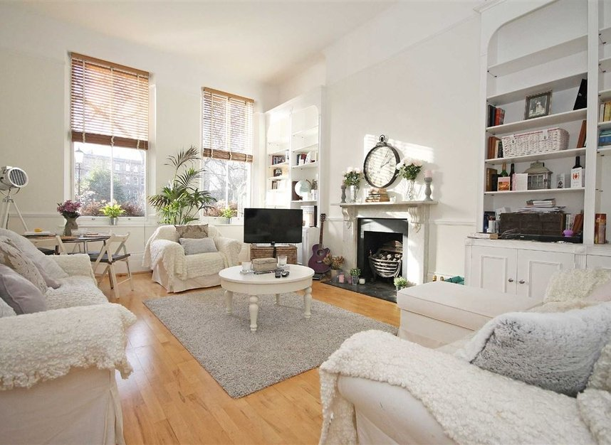 Properties to let in Nevern Square - SW5 9NN view2