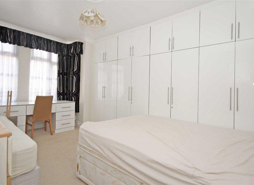 Properties to let in Noel Road - W3 0JE view4