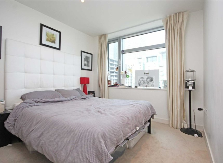 Properties to let in Pan Peninsula Square - E14 9HD view4