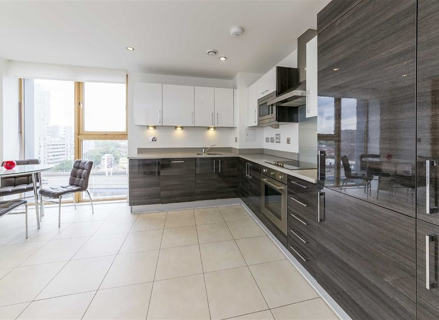 Properties to let in Province Square - E14 9DW view4