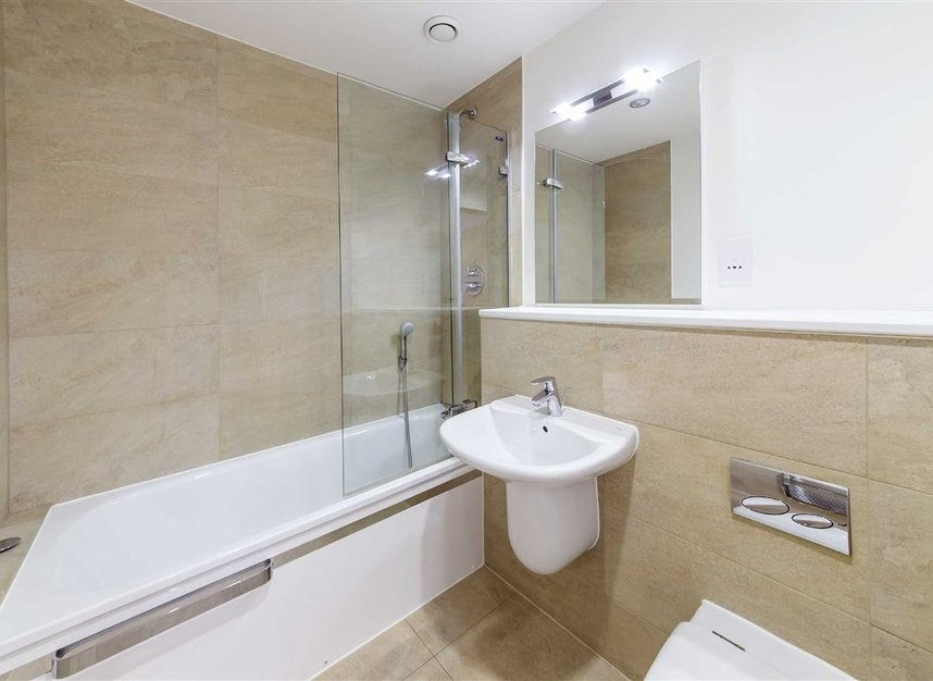 Properties to let in Province Square - E14 9DW view7