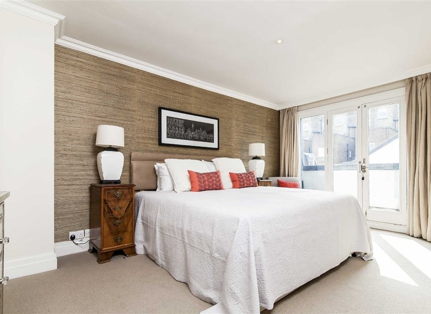 Properties to let in Queen's Gate Mews - SW7 5QN view5
