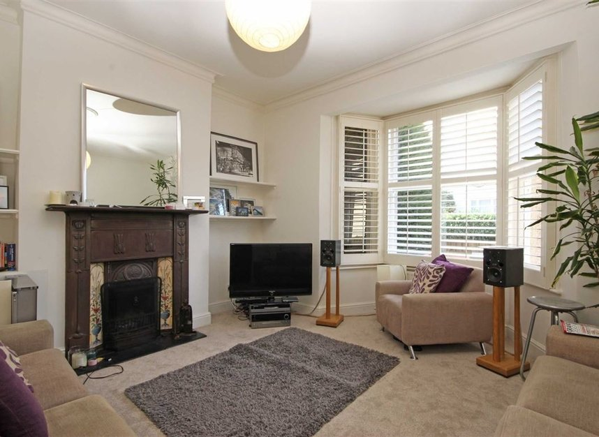 Properties to let in Queens Road - TW11 0LX view2