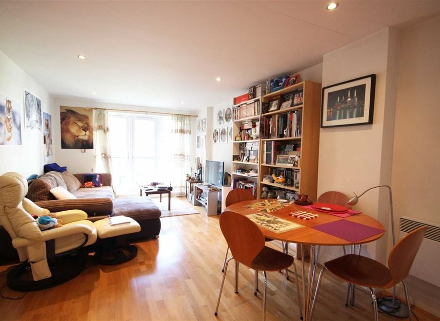 Properties to let in Royal Quarter - KT2 5BG view2