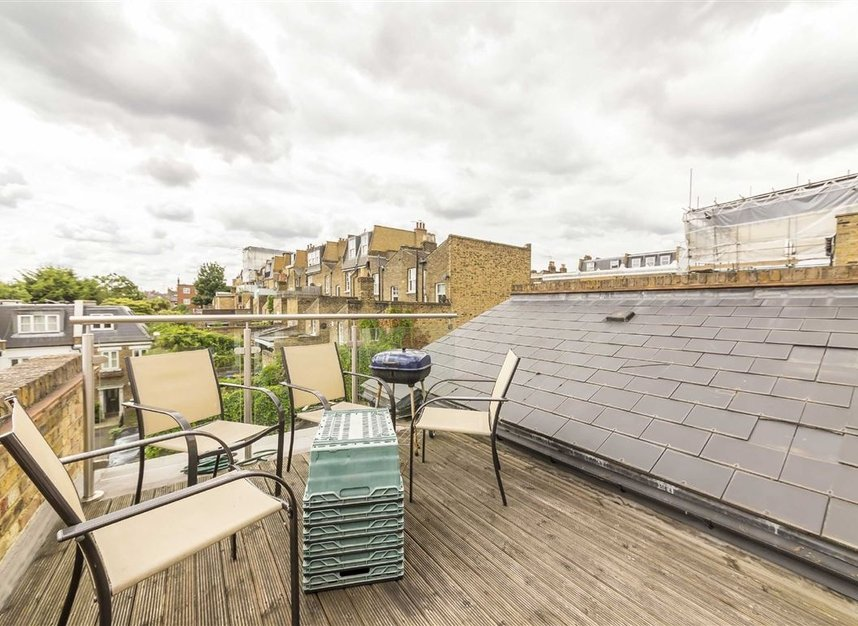 Properties to let in Rush Hill Mews - SW11 5NB view2