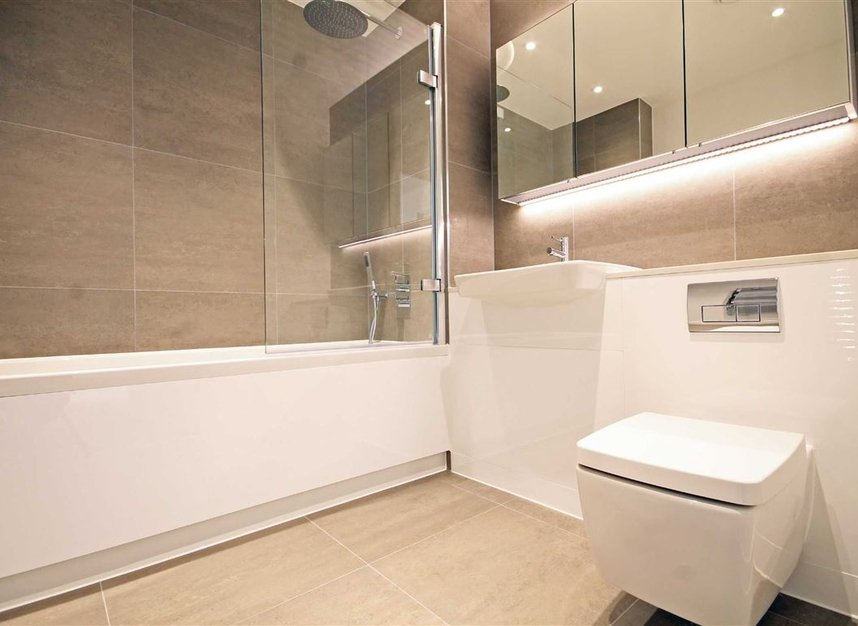 Properties to let in Singapore Road - W13 0FE view5