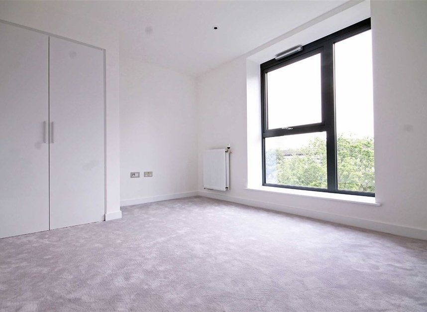 Properties to let in Singapore Road - W13 0FE view4