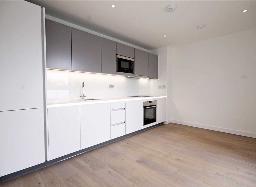 Properties to let in Singapore Road - W13 0FE view3