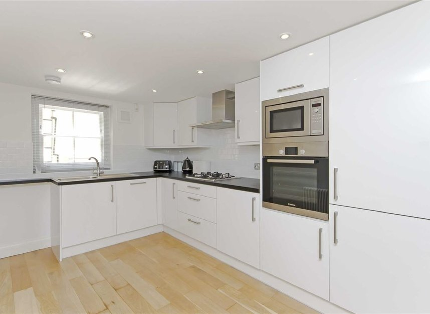 Properties to let in Skinner Place - SW1W 8HH view3