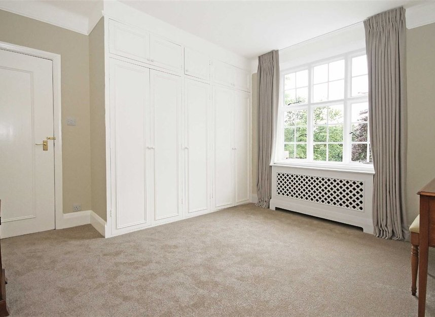 Properties to let in South Edwardes Square - W8 6HN view6