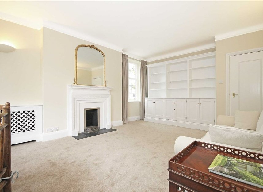 Properties to let in South Edwardes Square - W8 6HN view2