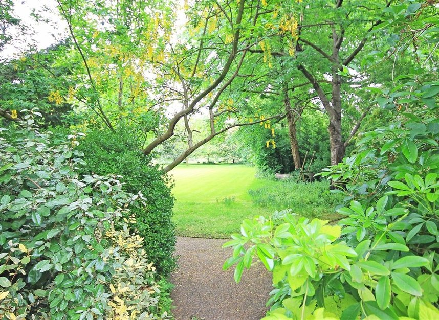 Properties to let in South Edwardes Square - W8 6HN view9